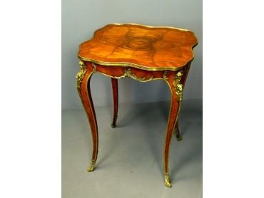 Mesita  Francesa estilo Luis XV - Siglo XIX