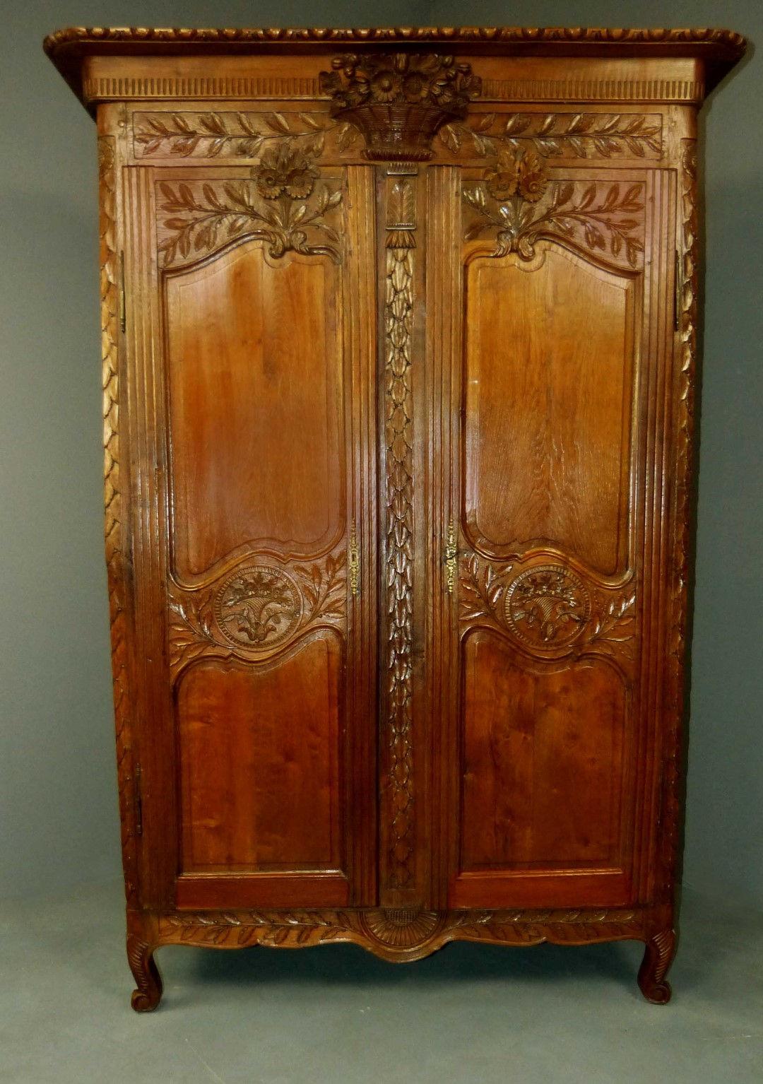 Muebles de caoba antiguos 20170815170039 for Armarios de cocina antiguos