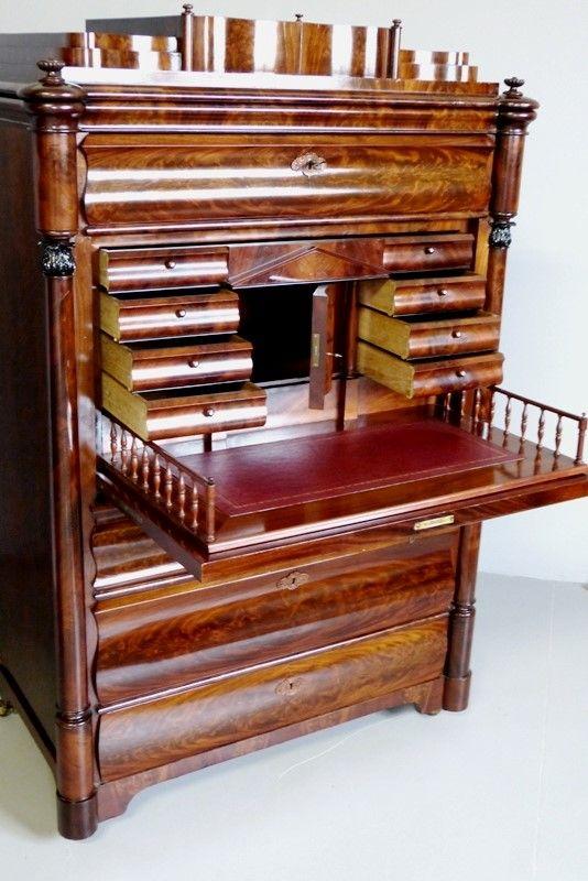 Muebles antiguos  armarios antiguos mesas antiguas cómodas