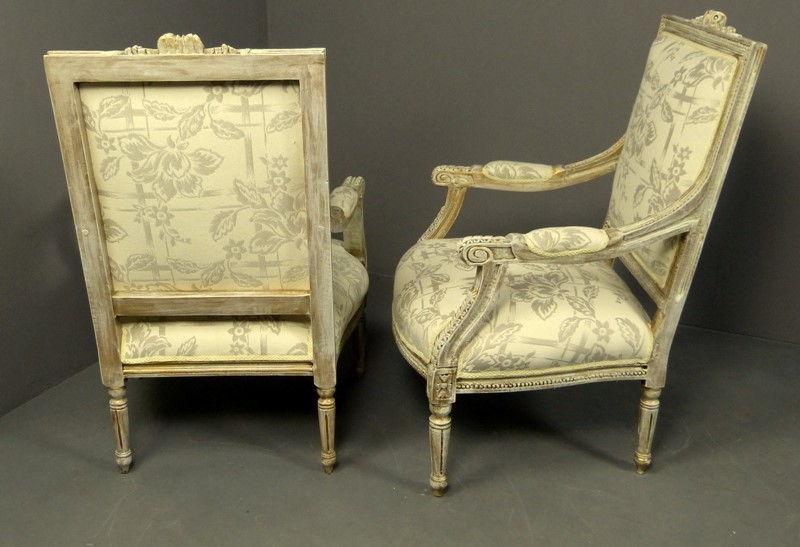 Muebles antiguos armarios antiguos mesas antiguas - Estilo de muebles antiguos ...