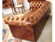 Sofa Chesterfield Color Coñac - 3 asientos